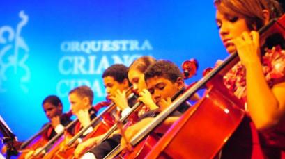 Orquestra Criança Cidadã se apresenta na Emanuel